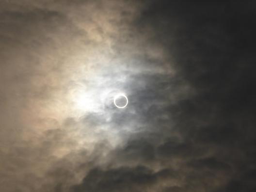 日食b.png